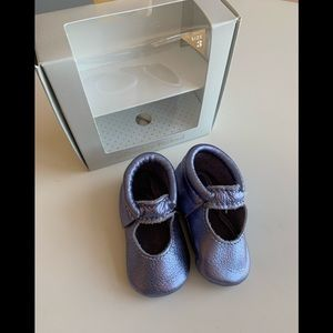 EUC Freshly Picked Moccasins (lilac)